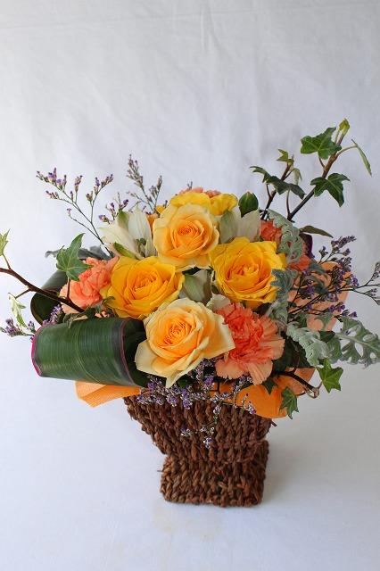 生花,アレンジ,バラ,スプレーカーネンション,アルストロメリア,ブルーファンタジー,イエロー